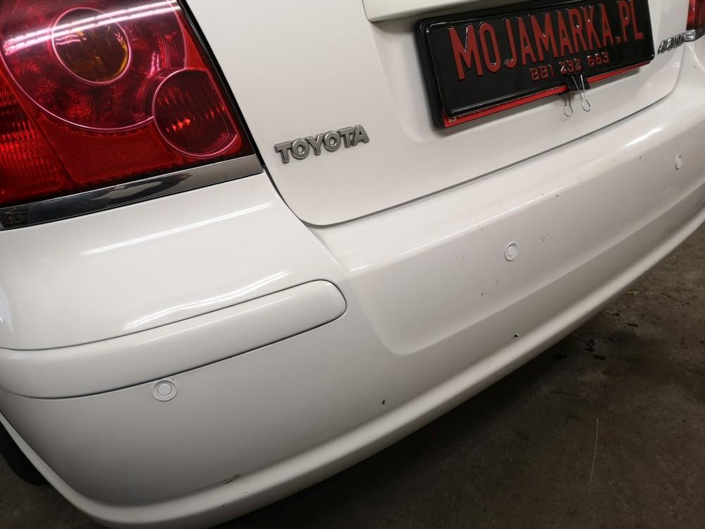 Montaż czujników cofania Toyota Avensis sedan rocznik 2006