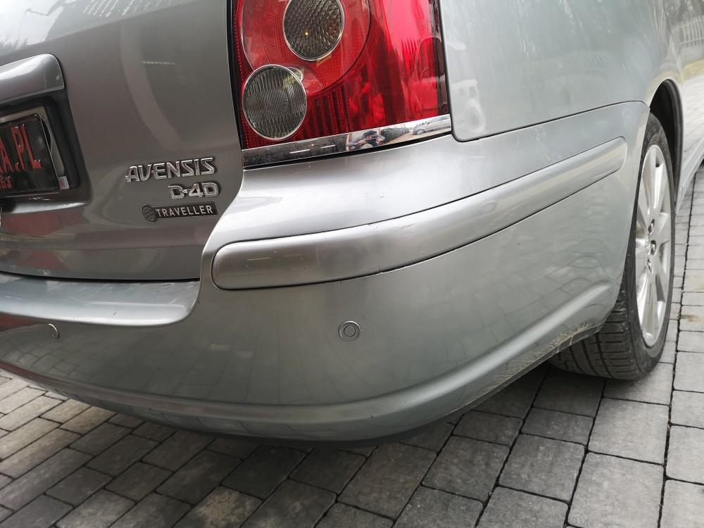 Czujniki cofania Toyota Avensis